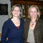 Paola Di Nicola insieme alla sorella in visita alla Biblioteca Delfico