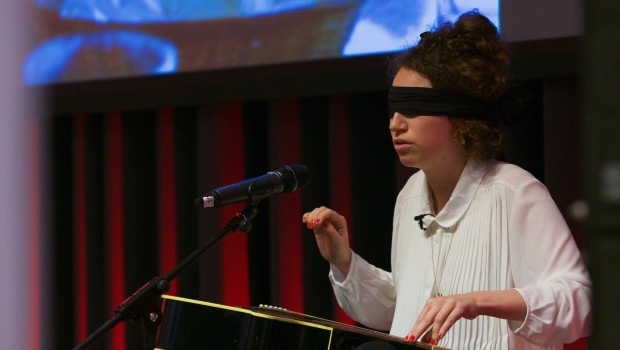 """Blindfold"": How music breaks barriers – a project by Marie Naffah"